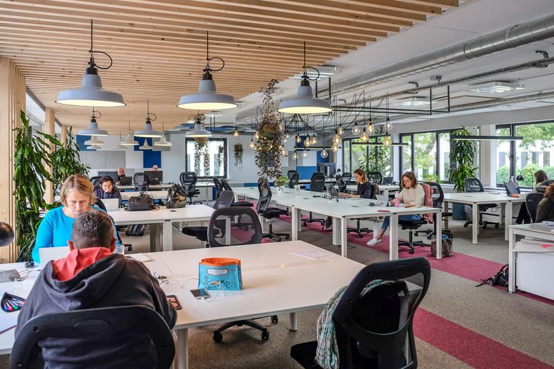 Hello working er espace de bureaux partagés et bienveillant pour