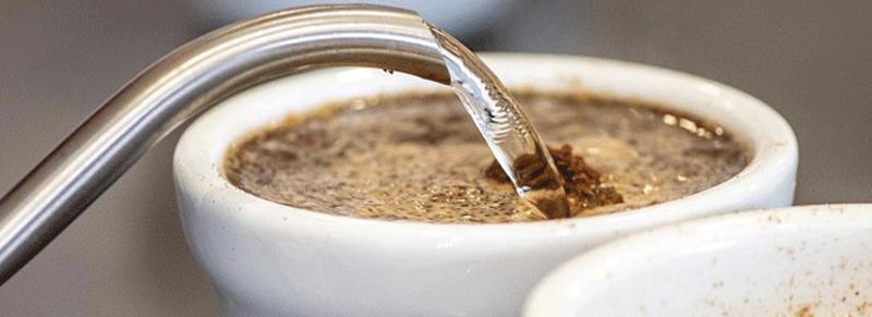 Mouiller le café