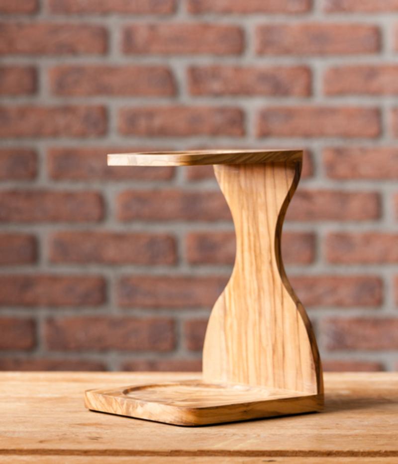 Support pour dripper V60 en bois d'olivier 1