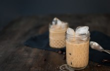 Iced coffee recepten almond